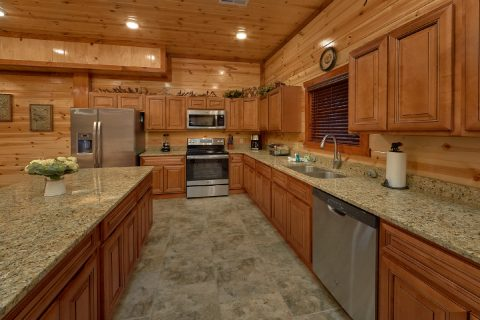 6 Bedroom Cabin with Fully Equipped Kitchen - Majestic Mountain Splash