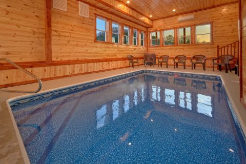 Private Pool in Pigeon Forge Sleeps 17 - Majestic Mountain Splash