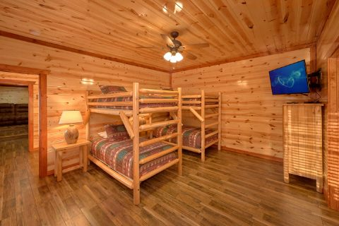 6 Bedroom Cabin Sleeps 17 with Twin Bunkbeds - Majestic Mountain Splash