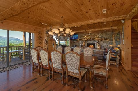 Premium 5 bedroom cabin with Dining Room - Majestic Peace
