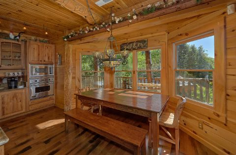 5 bedroom cabin with multiple dining areas - Majestic Peace