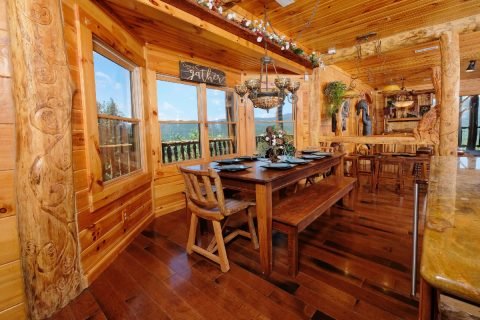 Premium 5 bedroom cabin with 2 Dining areas - Majestic Peace