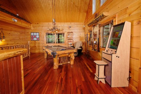 Luxurious cabin with a Pool Table and Video Game - Majestic Peace