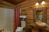Premium cabin rental with 7.5 bathrooms