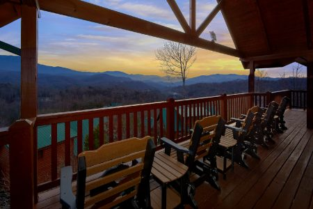 Mountain Sunrise: 5 Bedroom Sevierville Cabin Rental