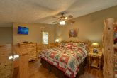 5 Bedroom Gatlinburg Cabin that sleeps 14 guests
