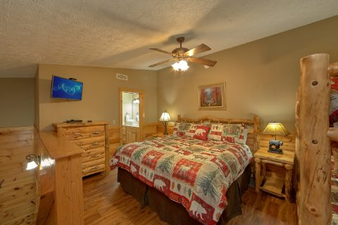 5 Bedroom Gatlinburg Cabin that sleeps 14 guests - Majestic Point Lodge