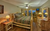 Luxury 5 Bedroom cabin overlooking Gatlinburg