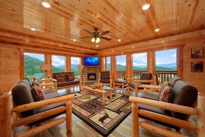 6 Bedroom 6 Bath Cabin near Pigeon Forge - Majestic Splash