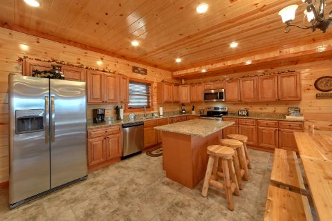 Luxury Cabin with Fully Equipped Kitchen - Majestic Splash