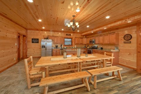 Luxurious 6 Bedroom Cabin with Dining for 17 - Majestic Splash