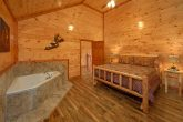 King Bedroom with Jacuzzi Close to Pigeon Forge