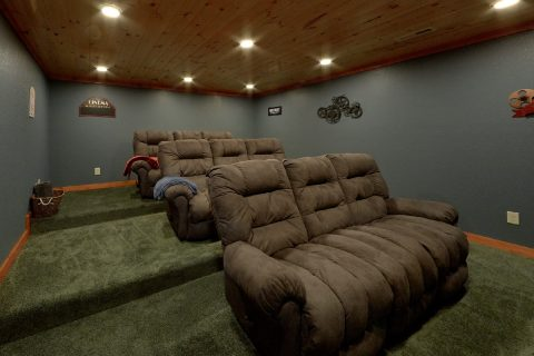 Luxury 6 Bedroom Cabin with Theatre Room - Majestic Splash
