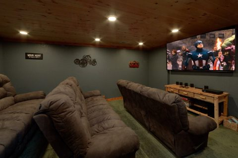 6 Bedroom Cabin with Large Theatre Room - Majestic Splash