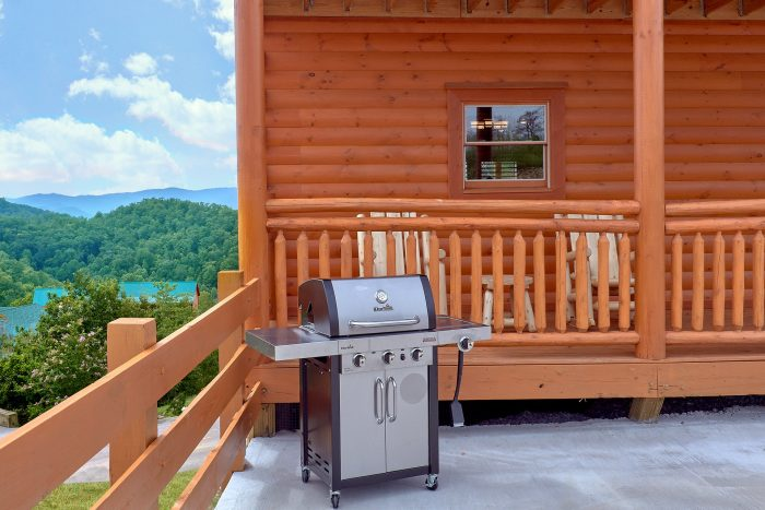 Pigeon Forge Cabin with Gas Grill - Majestic Splash