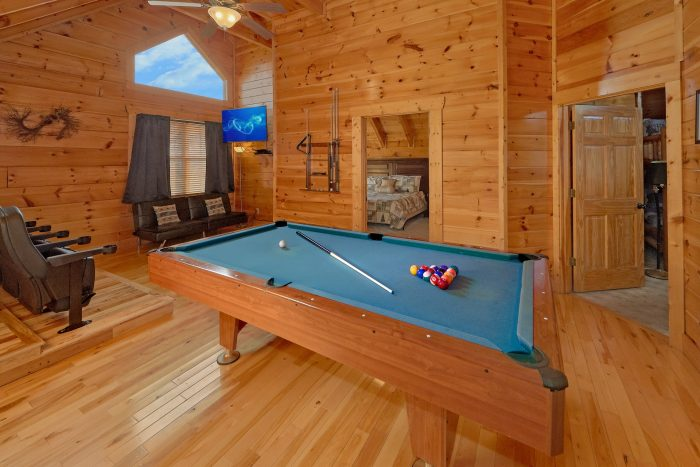 4 Bedroom Cabin with Pool Table and Large TV - Majestic View