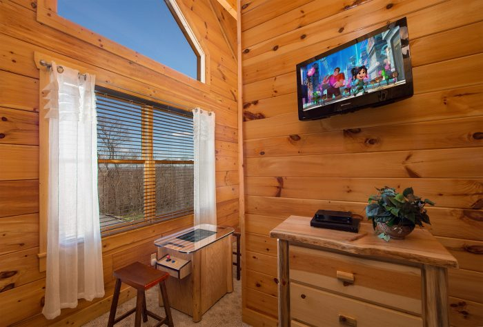 4 Bedroom Cabin with Mountain View Sleeps 16 - Majestic View