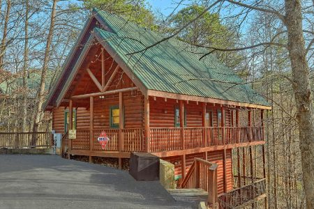The Majestic: 4 Bedroom Sevierville Cabin Rental