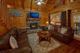 Spacious 4 Bedroom Cabin with Gas Fireplace