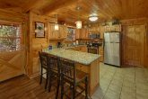 Pigeon Forge 4 Bedroom Cabin with Dining for 11