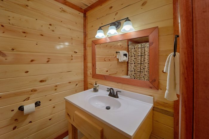 5 Bedroom Cabin with 5 Private Bathrooms - Makin' Waves