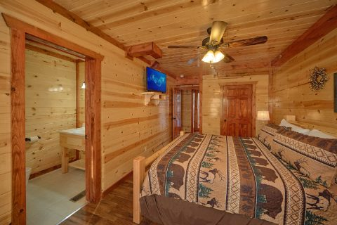 Pigeon Forge Cabin with 5 Private Suites - Makin' Waves