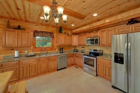 8 Bedroom Cabin with a Fully Stocked Kitchen - Marco Polo