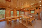 8 Bedroom Cabin with an eat-in kitchen