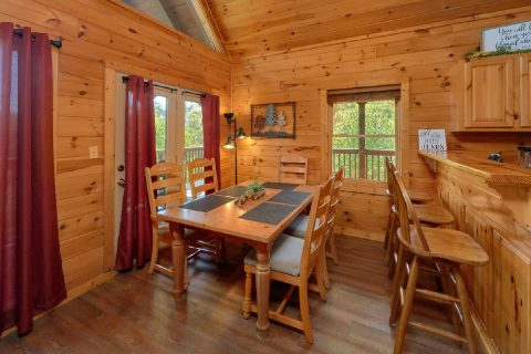 Premium 3 bedroom cabin with Dining room - Memory Maker