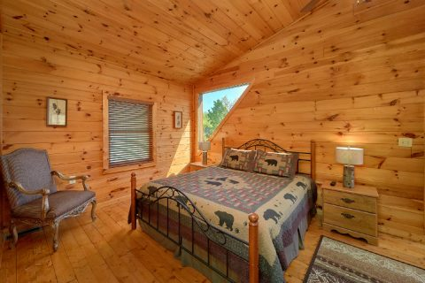 Rustic 3 bedroom cabin with King Bedroom - Memory Maker