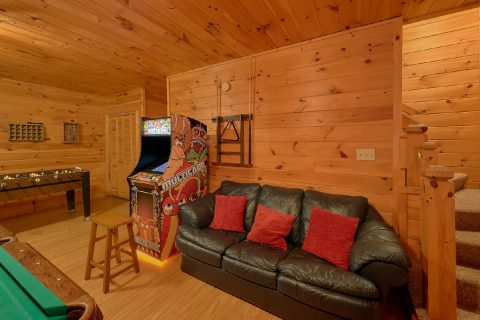 Premium 3 bedroom cabin with 2 arcade games - Memory Maker