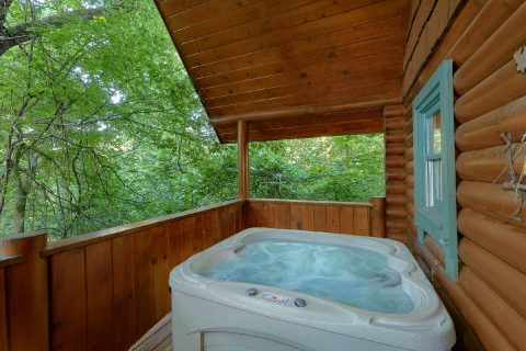 1 Bedroom Cabin with Hot Tub near Pigeon Forge - Merry Weather