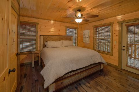 Cabin with 4 bedrooms and Walk in Showers - Mirror Pond