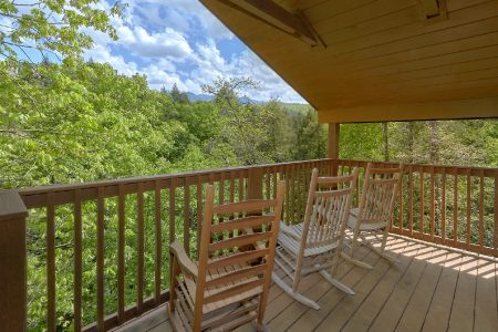 Black Bear: 4 Bedroom Sevierville Cabin Rental