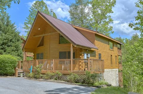 Gatlinburg 4 Bedroom 3 Bath Cabin Sleeps 10 - Mistletoe Lodge