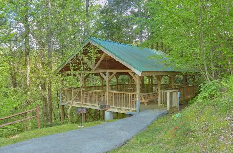 Mountain Shadows Resort Amenities - Mistletoe Lodge