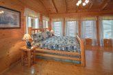 2 Bedroom Cabin Sleeps 6 with Master Bedroom