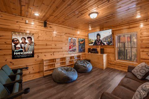 Theater Room 4 Bedroom Cabin Sleeps 10 - Moonlight Getaway