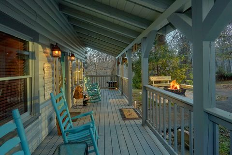 Secluded 2 Bedroom Cabin Sleeps 6 - Moonshadow