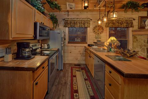 2 Bedroom Cabin with Fully Equipped Kitchen - Moonshadow