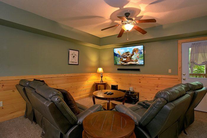 Theater Room in 3 Bedroom Cabin in Gatlinburg - Moonshine Inn