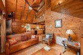 Spacious living room in Rustic 1 bedroom cabin
