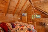 Honeymoon Cabin with spacious Master Bedroom
