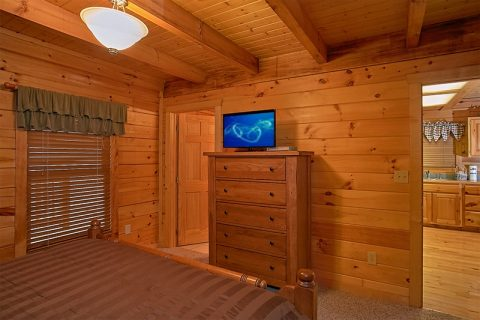 Honeymoon Cabin with 2 Full baths and 3 Tvs - Moose Tracks