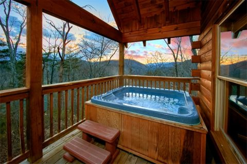 Luxury Cabin with Cozy Hot Tub - Moose Tracks