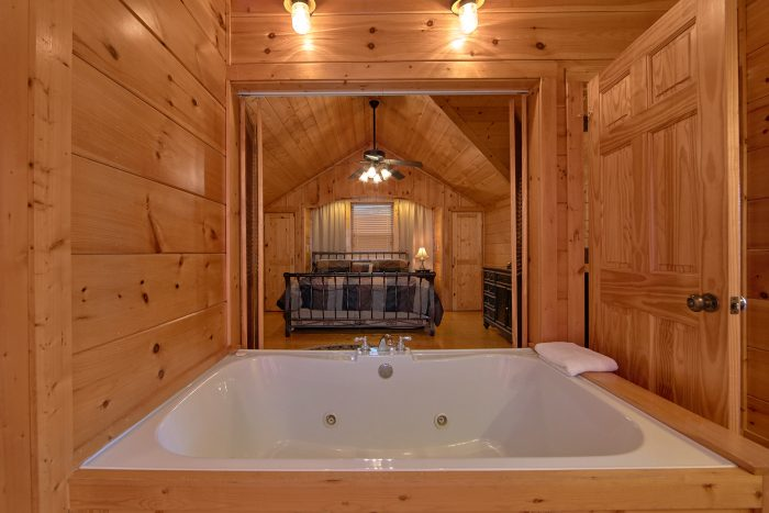 3 Bedroom Cabin Sleeps 9 with Jacuzzi Tub - Morning Mist