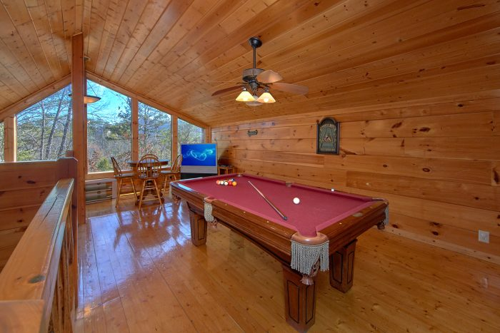 Pigeon Forge 3 Bedroom Cabin with Loft Game Room - Morning Mist