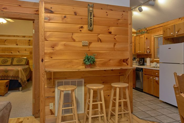Pigeon Forge Cabin with a Bar - Mountain Crest