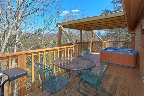 Pigeon Forge Cabin with a Mountain View - Mountain Destiny