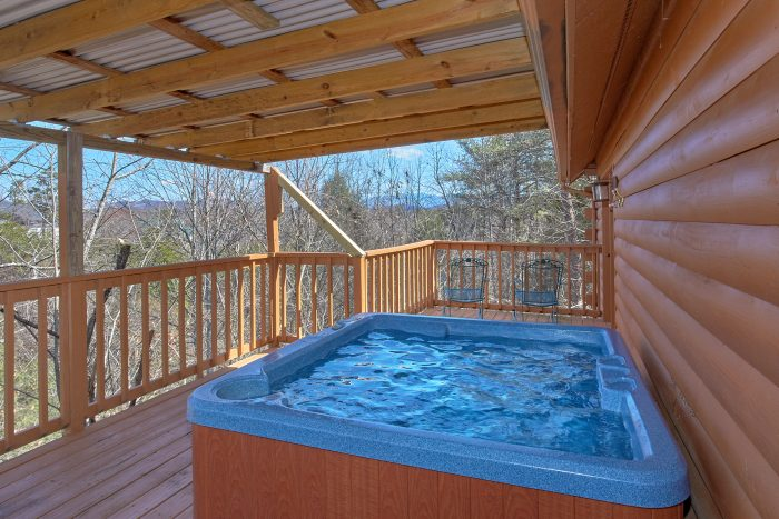 4 Bedroom Pigeon Forge Cabin with a Hot Tub - Mountain Destiny